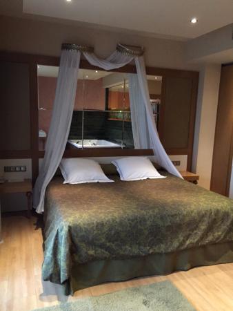 Hotel Felisa: Nuestra super cama!!