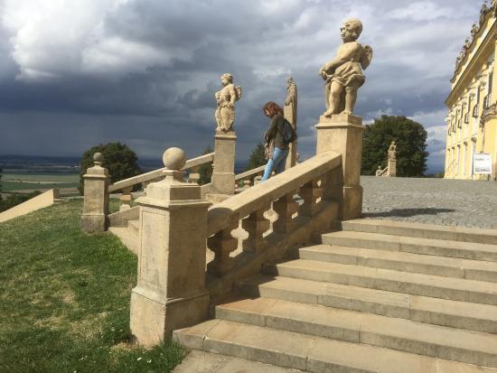 Svatý Kopeček: Sitting on the stairs