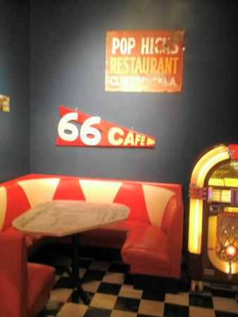 Oklahoma Route 66 Museum: 1950's diner