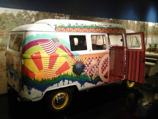 ‪‪Oklahoma Route 66 Museum‬: hippie van from the 60's‬