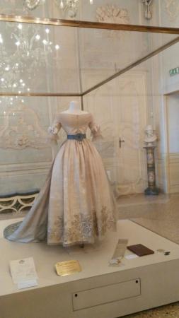 Museo Lombardi - Marie Louise and Napoleon: Abito appartenuto alla Duchessa