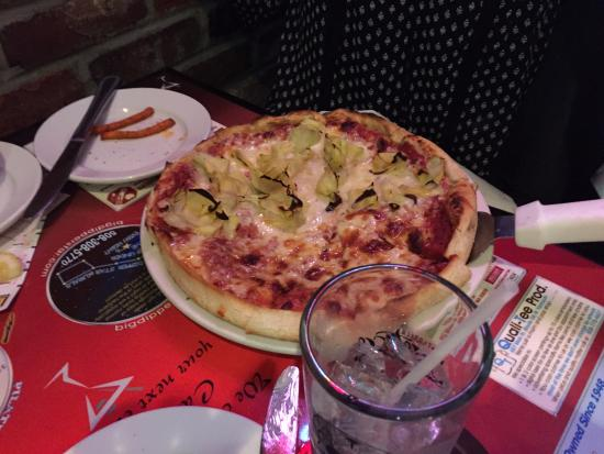 South Dennis, ماساتشوستس: Custom Pizza