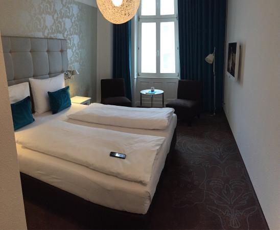 bild von motel one wien staatsoper wien. Black Bedroom Furniture Sets. Home Design Ideas