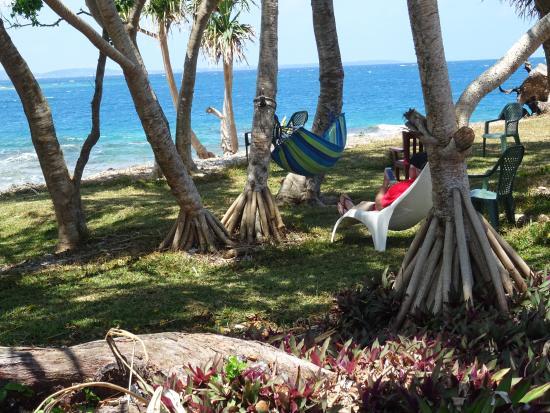 Tara Beach Bungalows: Relaxing at Tara Beach