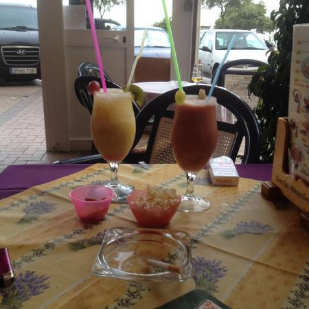 Hotel El Puerto by Pierre & Vacances: Cocktail au demi litre