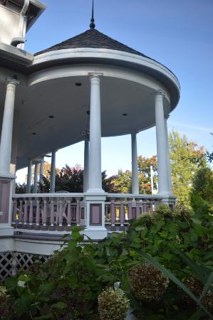 Oscar H. Hanson House Bed and Breakfast: Porch