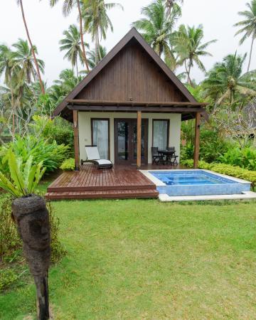 Tambua Sands : Plunge pool to soak while sun bathing at Tambua...