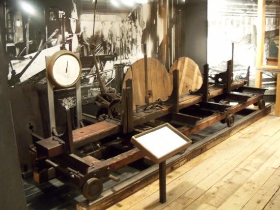 New Brunswick Museum: logging