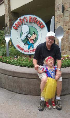 Yum Picture Of Goofy 39 S Kitchen Anaheim Tripadvisor