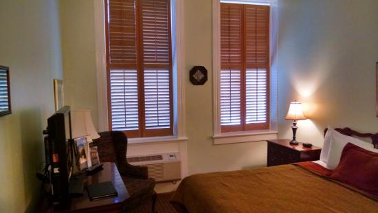 The Biltmore Greensboro: Bedroom