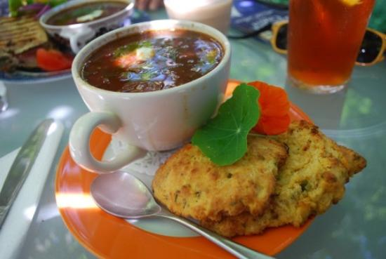 The Biscuit Eater Cafe: soup & biscuit