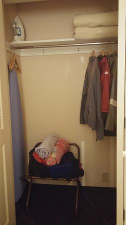 The Lexington at Jackson Hole Hotel & Suites: spacious closet