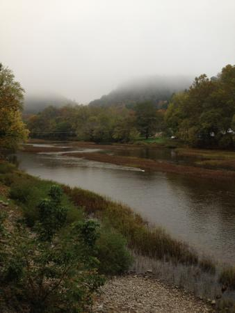 Greenbrier Grille & Lodge: a look down the river