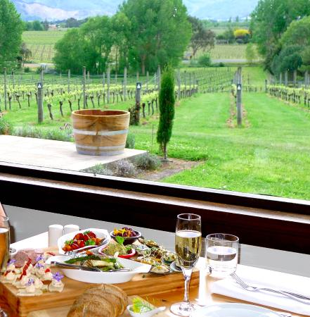 Highfield TerraVin Cellar door and Vineyard Restaurant : Tapas Platter
