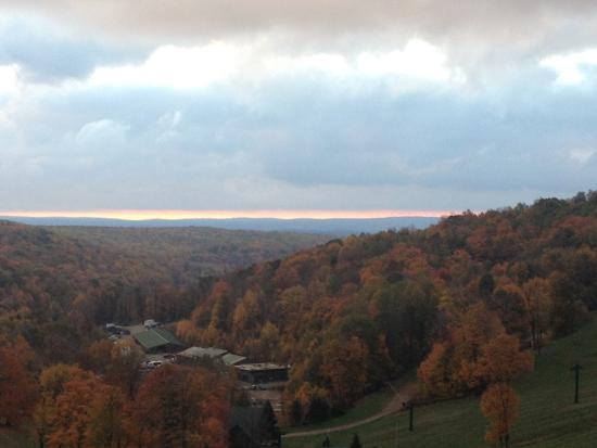 Seven Springs Mountain Resort: Fall Sunset at Siver Springs