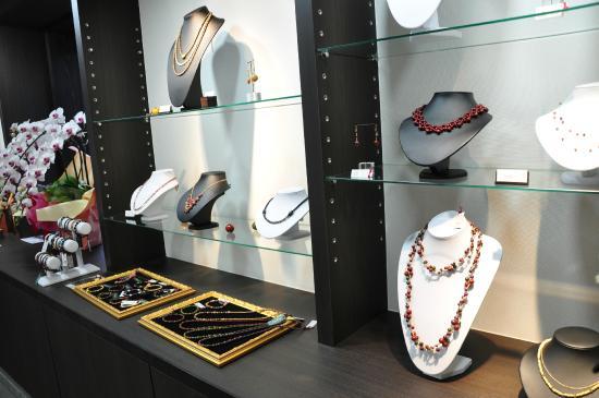 Rare Wood Beads Bijoux