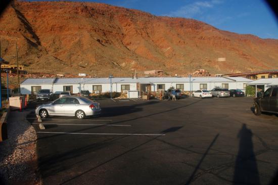 Silver Sage Inn: Main Building