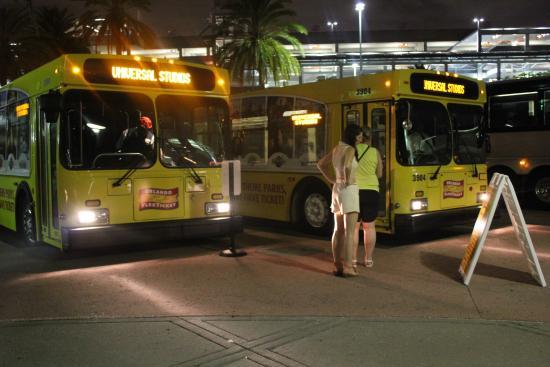 Kissimmee, FL: Bus-C&D stand