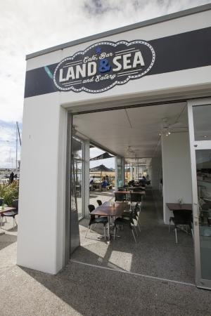 Land & Sea Cafe, Bar and Eatery