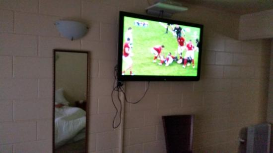 Bridgehouse Lodge: Fab TV
