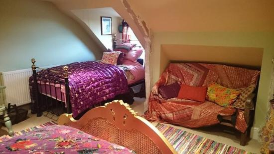 cute and cosy hedgewitch room picture of the covenstead