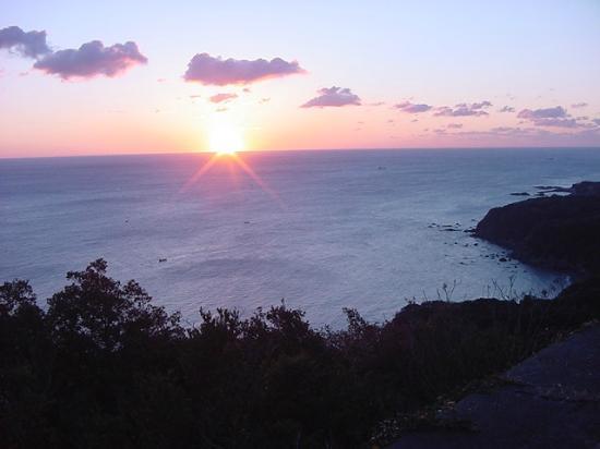 Pearl Road: パールロードから見た朝陽です