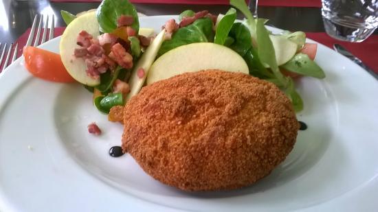 Casino Neuchâtel : Salade au chèvre chaud