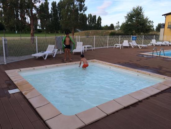 Le Domaine du Green : la petite piscine pour les petits