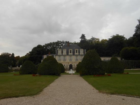 Chateau de Beaulieu: Grounds and hotel