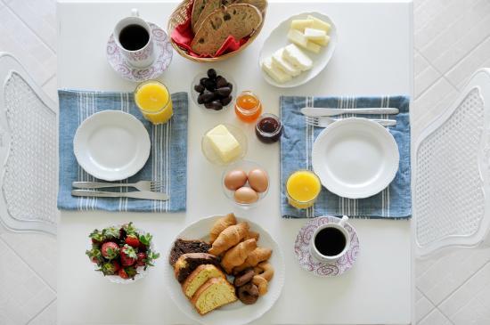Petries, Grecia: Breakfast