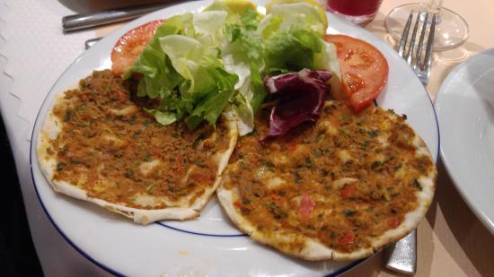 Alfortville, Γαλλία: lahmadjoun: très bonnes mais trop rapide à manger !
