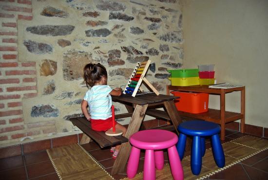 Casa Rural Las Becerras: zona infantil