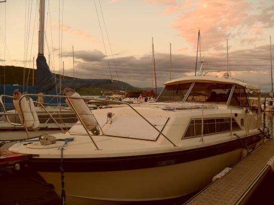 Hotel Garni : Ausflug mit dem Hausboot