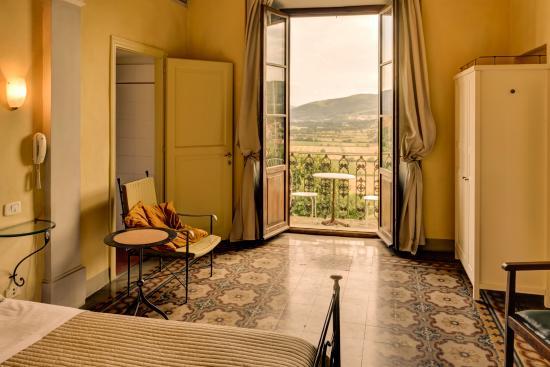 Albergo San Lorenzo: Camera con vista e balcone