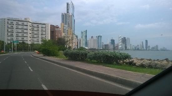 Hotel Bahia : Strandstraße in Boca-Grande