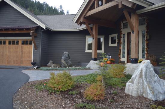 Peak View Haus: part of the front entrance