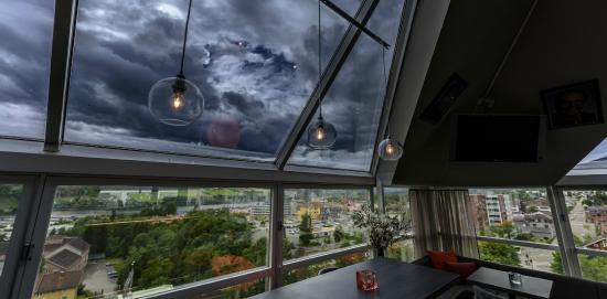 Molla Hotel: Toppen Bar