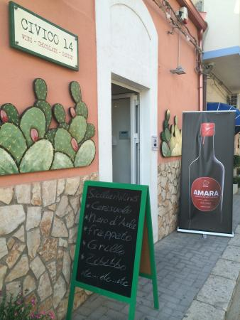 Marina di Ragusa, İtalya: WINE CHOCOLATE DESIGN