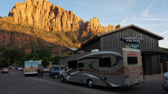 Zion Canyon Campground: Einfahrt