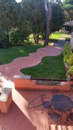 Il Casale dell'Ara delle Rose Bed & Breakfast: giardino