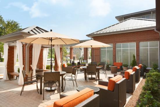 hilton garden inn boston logan airport outdoor patio - Hilton Garden Inn Boston Logan Airport