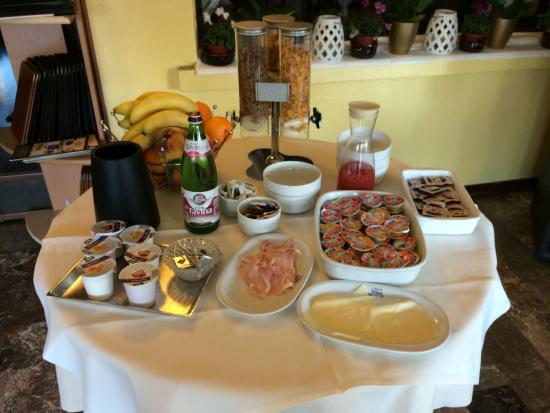 Hotel Vettore dal 1947: buffet du petit déjeuner