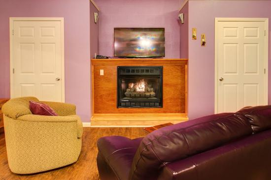 Anna, IL: Purple Suite