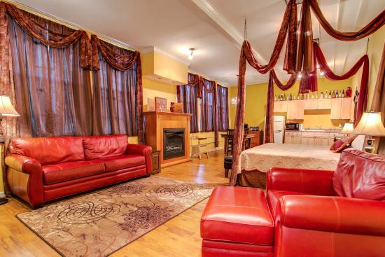 Anna, IL: Gold Suite