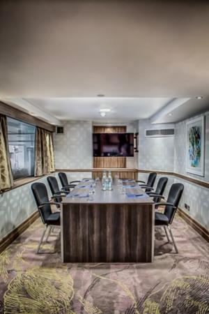 Hilton London Kensington: Boardroom 2