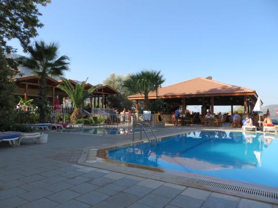 Celay Hotel: Pool Area