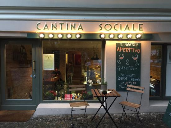 A Very Peculiar Icon Of The Place Bild Von Cantina Sociale Berlin