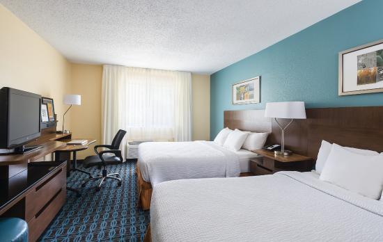 Fairfield Inn & Suites Bryan College Station: Queen Guestroom