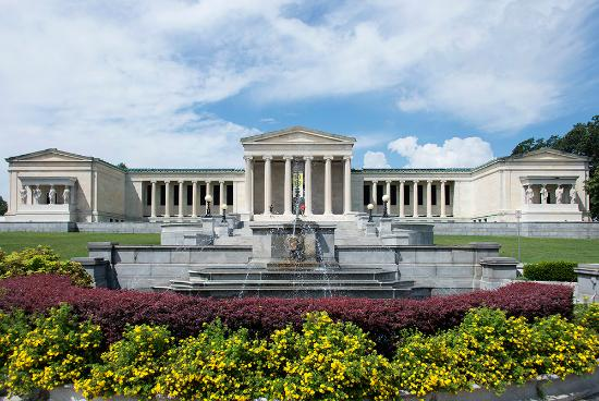 ‪Albright-Knox Art Gallery‬