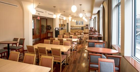 Le Square Phillips Hotel & Suites : Breakfast Room